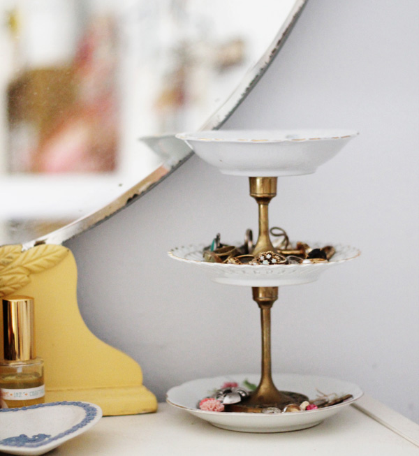 plates-stand-acutedesigns.jpg